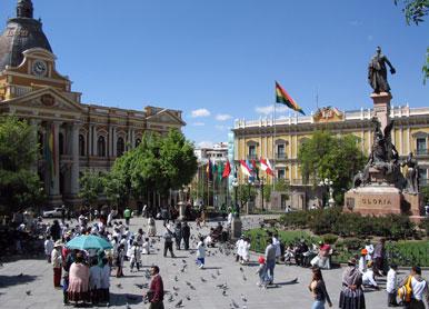 LaPaz-Plaza-Pedro-Di-Murillo-cb-voyages-sucre