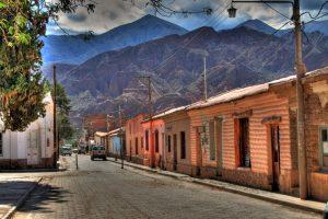 Calle_de_Tilcara,_Jujuy,_Argentina