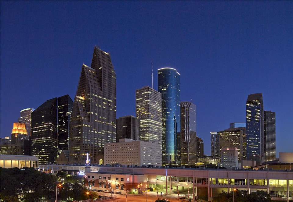 houston-at-night-cb-voyages